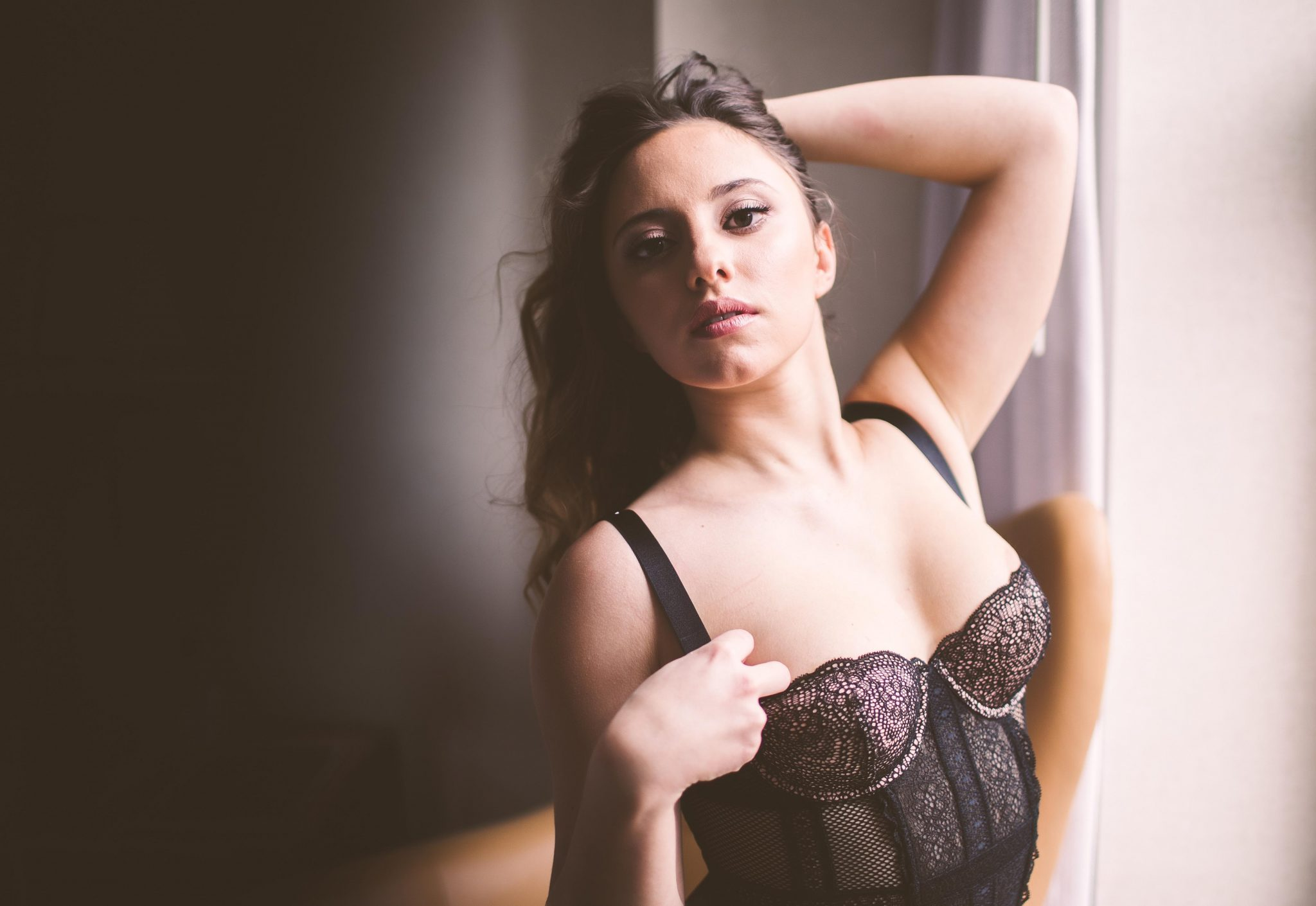 Image URL: https://www.evgeniaribinik.com/wp-content/uploads/2017/02/NY-boudoir-photography-00101-1.jpg  Click to view this fusker