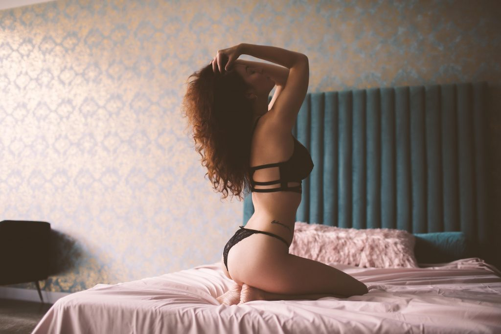 a beautiful boudoir model