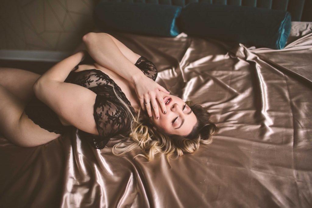 celebrate yourself with a boudoir photoshoot in nyc